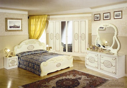 Спальный гарнитур «Соня» (с 4-х дверчатым шкафом)